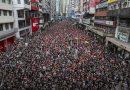Hai triệu dân xuống đường biểu tình, trưởng đặc khu xin lỗi