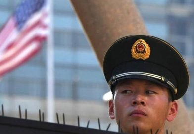 Trump bans U.S. investments in firms linked to Chinese military