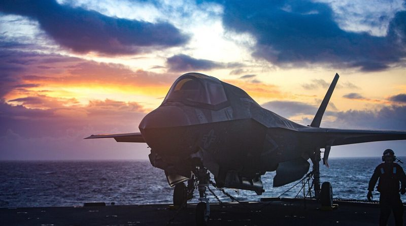 American warship, F-35 jets to deploy with British fleet